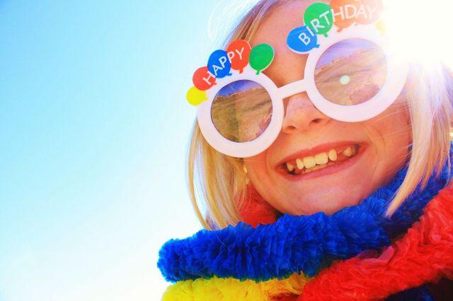 Shiny_Happy_Birthday_Girl_Smiling